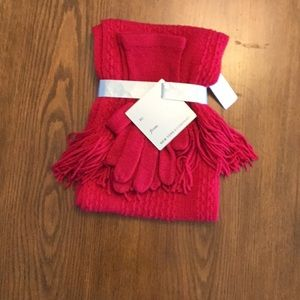 NWT New York & company red scarf and glove set